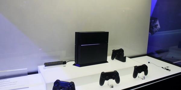 Стенд PS4 на выставке Игромир 2013